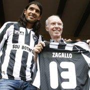 Zagallo completa 88 anos e recebe homenagem do Botafogo