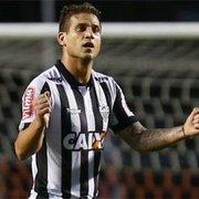 Com repercussão negativa, Botafogo esfria interesse em Rafael Moura, mas não descarta