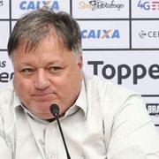 Anderson Barros confirma interesse do Botafogo em Rafael Moura e Maxwell