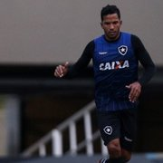 Devolvido pelo Botafogo para o Corinthians, Yago entra na mira do Goiás