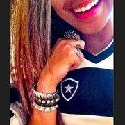 Botafogo pensa em usar Rafaella, irmã de Neymar, e Anitta em ações de marketing