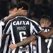 Após perder pênalti pelo Botafogo, Moisés publica versículo da Bíblia e ganha apoio de jogadores