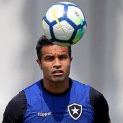 Botafogo confirmado com Moisés e Dudu Cearense para enfrentar a Chapecoense