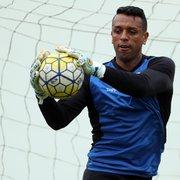 Outrora especulado para voltar ao Botafogo, goleiro Sidão acerta com o Goiás