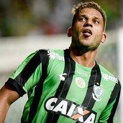 Botafogo negocia a contratação do centroavante Rafael Moura, de 35 anos