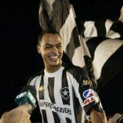Dodô destaca identificação: 'A camisa do Botafogo sempre caiu bem em mim'