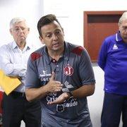 Técnico 'em casa', Alex Alves deixou Botafogo na melhor fase, se arrependeu de saída e viveu dramas