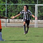 Base: Sub-15 do Botafogo vence Nova Iguaçu com dois de Matheus Nascimento; sub-17 empata
