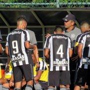 Base: 100% no Carioca, treinador do Sub-20 Marcos Soares projeta clássico Botafogo x Flamengo