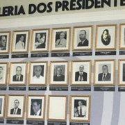 Foto de ex-presidente do Botafogo desaparece da sala de troféus do clube