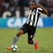Vinicius Tanque é mais um prata da casa a retornar ao Botafogo, e Barroca joga a bola para eles