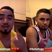 Gêmeos Rafael e Fábio se empolgam com o Botafogo, cantam o hino e prometem ir ao Nilton Santos quarta