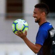 Ex-Botafogo, Biro Biro tem volta ao futebol incerta dois anos após síncope