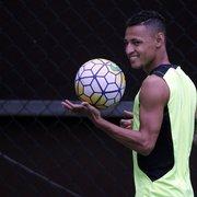 Carlos Eduardo Pereira não crê em retorno de Neilton ao Botafogo: 'Gosto muito dele, mas acho que não está em negociações'