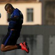 Por ataque mais eficaz, Barroca testa novos atletas e formações no Botafogo