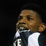 A caminho da Polônia, Rhuan se despede do Botafogo: 'Glorioso estará sempre em meu coração'