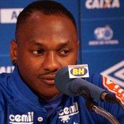 Ex-Botafogo, Sassá está perto de ser emprestado pelo Cruzeiro ao Coritiba