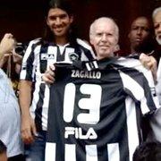 Loco Abreu publica foto com Zagallo na chegada ao Botafogo há 10 anos: 'Obrigado por tudo que vivi e vou viver'