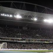 Torcida mantém pagamento do sócio-torcedor: 'Ajuda inestimável ao Botafogo'