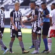 VÍDEO: Assista ao gol de Honda no empate do Botafogo com o Bangu no Nilton Santos