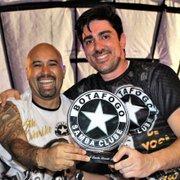 Após assinar samba-enredo, Marcelo Adnet vira carnavalesco da Botafogo Samba Clube