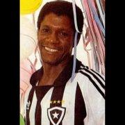 Ex-atacante do Botafogo, Marinho morre aos 63 anos