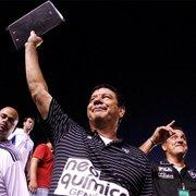 Joel Santana diz que aceitaria assumir Botafogo como técnico: 'Para felicidade de todos'