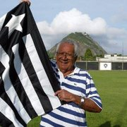 Morte de Nilton Santos, ídolo do Botafogo, completa 7 anos; filme é liberado