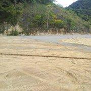 Empreiteira divulga novas fotos das obras do CT do Botafogo, de drenagem e nivelação dos campos