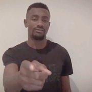 Agente explica adiamento da chegada de Kalou ao Botafogo: 'Está tudo parado na Alemanha'