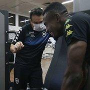 Fisiologista do Botafogo elogia Kalou após bateria de avaliações: 'Potência acima da nossa média'