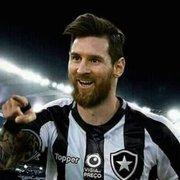 Felipe Neto e Adnet oferecem vaga para Messi no Botafogo