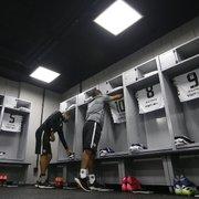 Botafogo escalado com Diego Cavalieri no gol e Luiz Otávio no meio para enfrentar o Athletico-PR