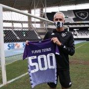 Botafogo fará homenagem a Flávio Tênius pela marca de 500 jogos