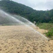 Obras do CT do Botafogo avançam, e grama começa a aparecer no campo