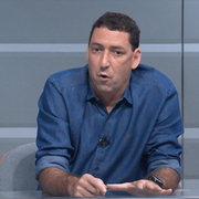 PVC critica constante troca de técnicos no Botafogo: 'Média de permanência é cinco jogos'