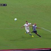Pênalti em José Welison? PC Oliveira se contradiz em Botafogo x Fortaleza: 'Há mão no rosto, mas nada a marcar'