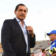 Campeão da Libertadores-1996, técnico Ramón Díaz, ex-River Plate, tem negociação adiantada com o Botafogo
