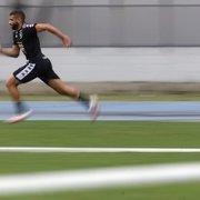 Por problema muscular, Gustavo Cascardo faz trabalho de transição com Kelvin e Angulo no Botafogo