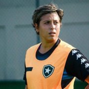 Futebol feminino: auxiliar técnica vira zagueira e celebra acesso do Botafogo
