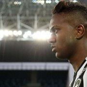 Barroca 'gira' Botafogo e aposta em Kelvin na reta final do Brasileiro