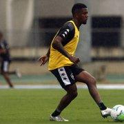 Kelvin se recupera e volta a ser relacionado no Botafogo diante do Athletico-PR