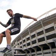 Exame aponta lesão, e Rafael Forster seguirá desfalcando Botafogo; Luiz Otávio segue na transição