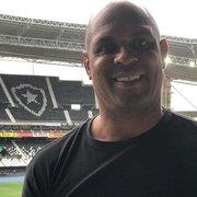 Justiça dá prazo para Botafogo pagar dívida a Donizete Pantera por passagem em 2000
