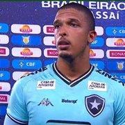 Diego Loureiro defende pênalti, agradece a Flávio Tênius e pede para Botafogo 'parar de se importar' com arbitragem
