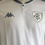 Vazou: veja fotos da nova camisa branca do Botafogo com a Kappa, divulgada por loja em Brasília