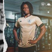 Após vazamento, Botafogo lança nova camisa de goleiro da Kappa; modelo já está à venda