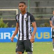 Botafogo negocia primeiro contrato profissional com Guilherme Smith, cobiçado pela Europa