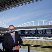 VÍDEO | CEO do Botafogo anima com nota oficial: futebol é paixão