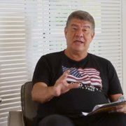 Joel Santana vê situações de Botafogo e Vasco 'ridículas' e coloca acesso em risco